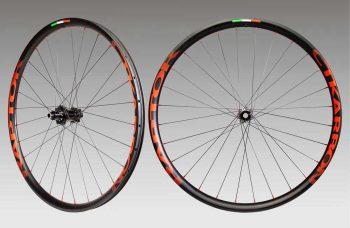 ctkarbon-raptor-2-red-wheels